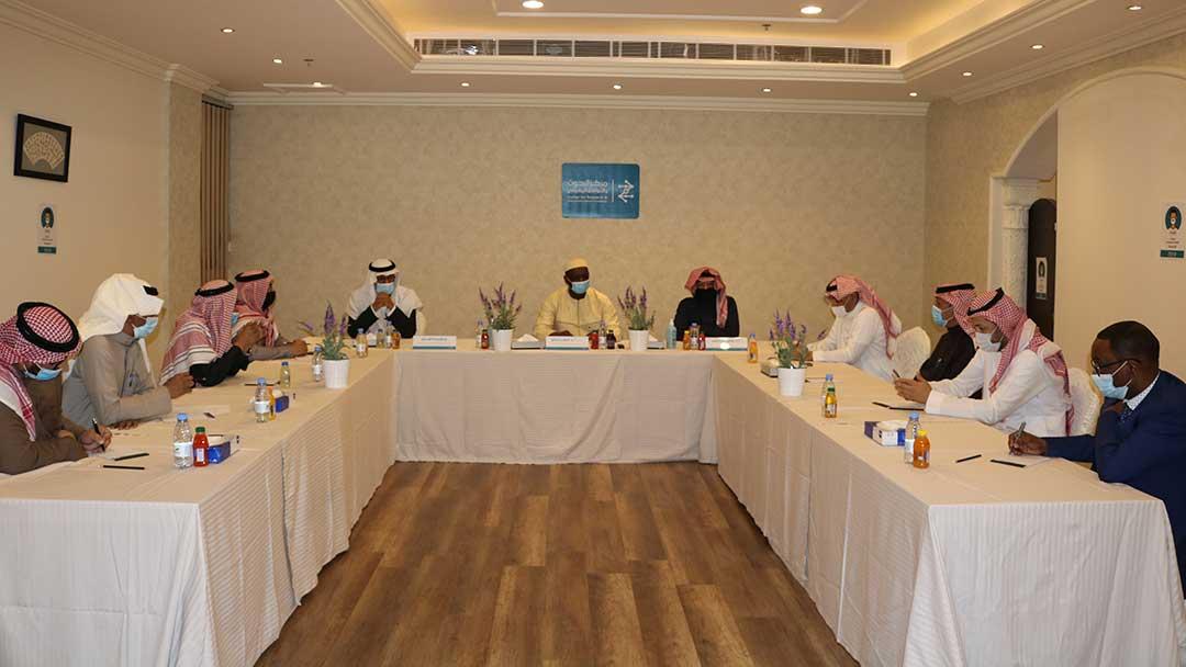 حلقة نقاش مع الأمين العام لمجمع الفقه الإسلامي الدولي