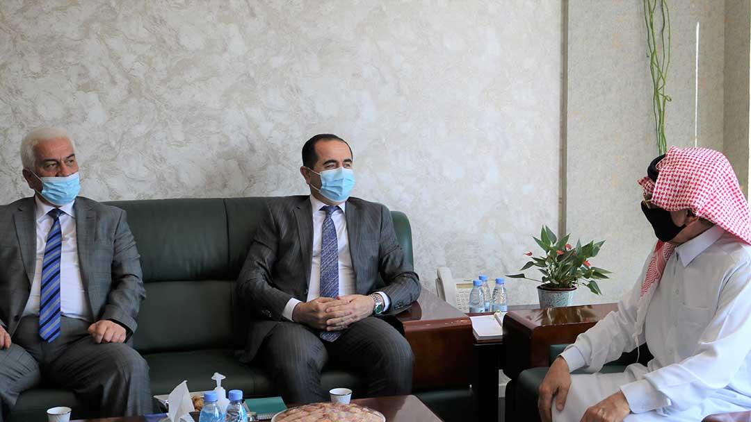 سفير طاجيكستان لدى الرياض أكرم كريمي يزور المركز