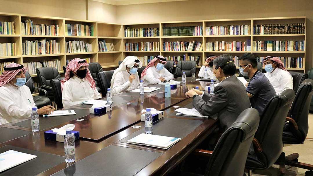 المدير العام لشركة سينوبك في الشرق الأوسط يزور المركز